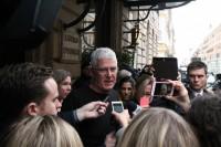 Phil Nagle vor der Presse
